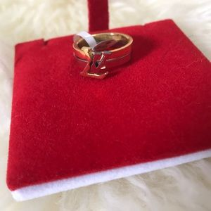 Jewelry - Beautiful gold and silver ring